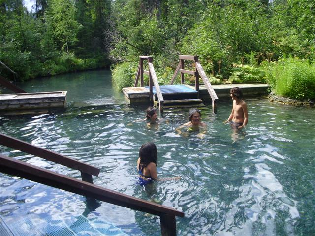 liards-hot-springs-81_
