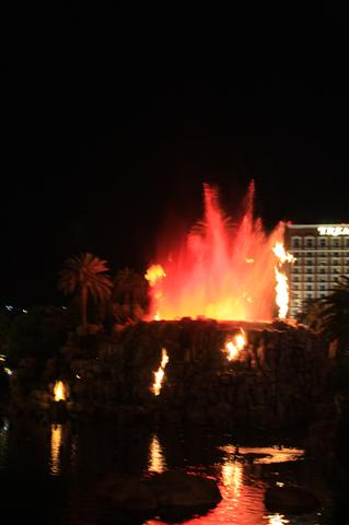 Volcanos on the Strip