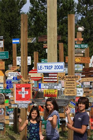 sign-post-forest-49_